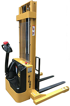 Big Joe S30 Straddle Stacker