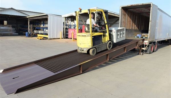 Vestil YR-25 Steel Yard Ramp